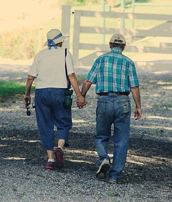 Retired couple going to see there Gateway Advisor to talk about their retirement plan